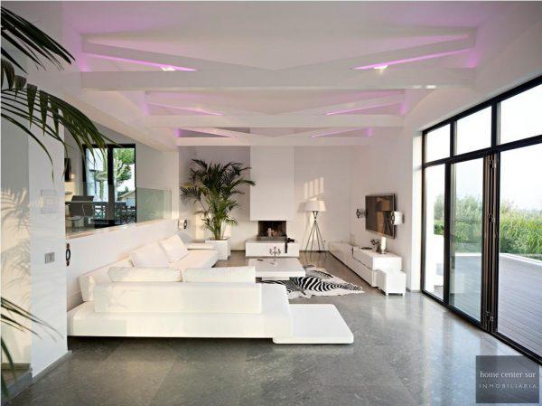 52724 1749334 foto 645705 600x449 - El arquitecto Miguel Tobal reinventó el diseño y la vanguardia con esta villa en Marbella
