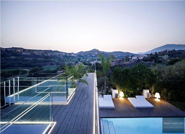 52724 1749334 foto 684649 600x434 - El arquitecto Miguel Tobal reinventó el diseño y la vanguardia con esta villa en Marbella