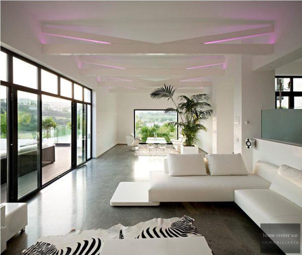 52724 1749334 foto 710356 600x508 - El arquitecto Miguel Tobal reinventó el diseño y la vanguardia con esta villa en Marbella
