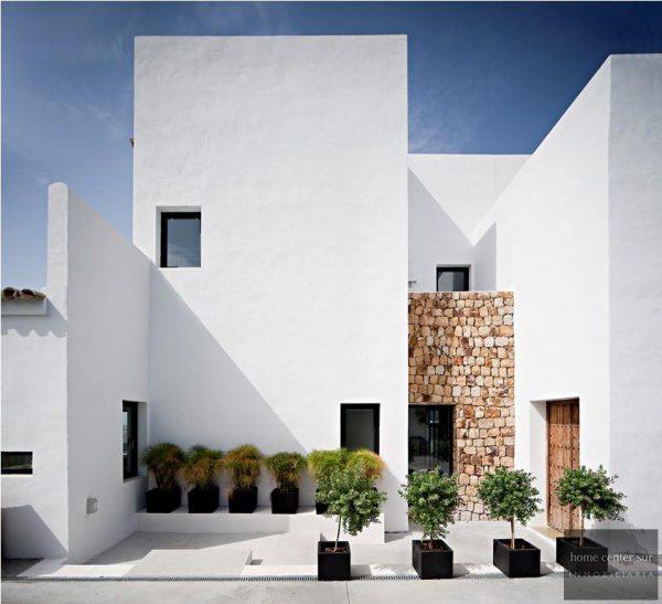 52724 1749334 foto 829840 600x547 - El arquitecto Miguel Tobal reinventó el diseño y la vanguardia con esta villa en Marbella