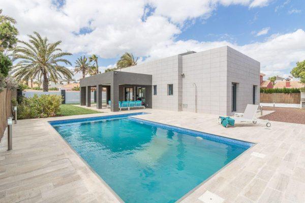 54232 2012795 foto59918276 600x400 - El diseño arquitectónico del futuro: casas con estructura moderna