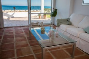 55495 1943993 foto 020927 300x200 - La villa con la que has estado soñando en Estepona