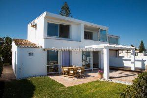 55495 1943993 foto 171973 300x200 - La villa con la que has estado soñando en Estepona