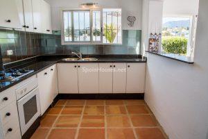 55495 1943993 foto 554028 300x200 - La villa con la que has estado soñando en Estepona