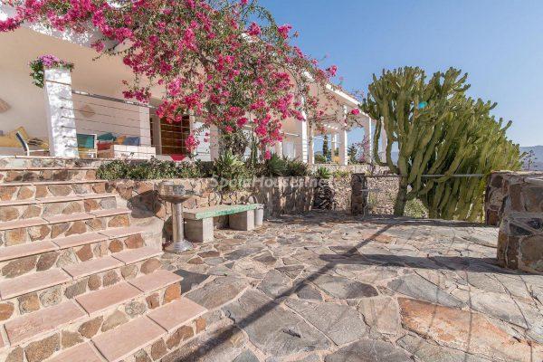 57253 2078079 foto 097022 1 600x400 - Descubre a través de esta casa el fantástico paisaje rural y natural de la Isla de Gran Canaria