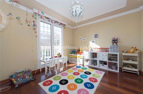 57293278 1972527 foto 717318 1 600x397 - Decora la habitación de tus hijos de forma original y sencilla