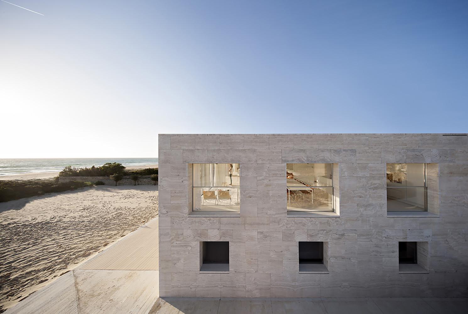 """6 13 - """"Casa del infinito"""": Horizonte espectacular de cielo y mar en Zahara de los Atunes (Cádiz)"""
