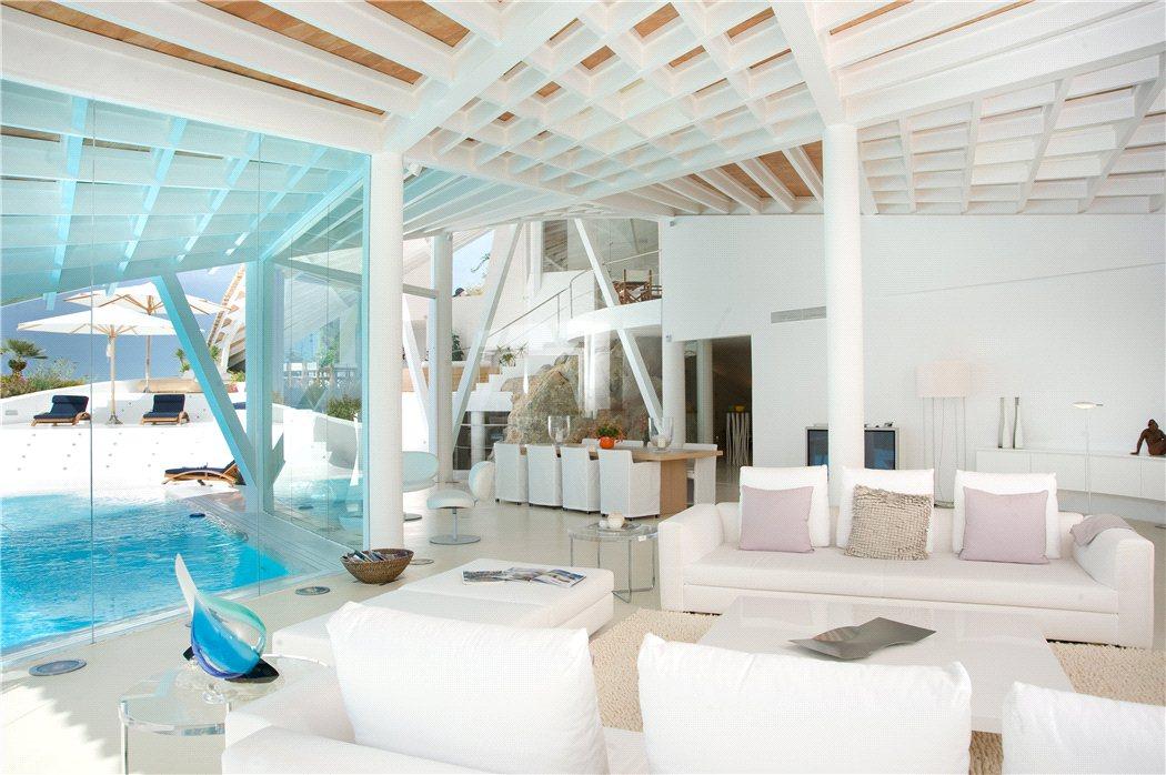 6 17 - Espectacular villa en Puerto de Andratx (Mallorca), con un fantástico diseño de gaviota