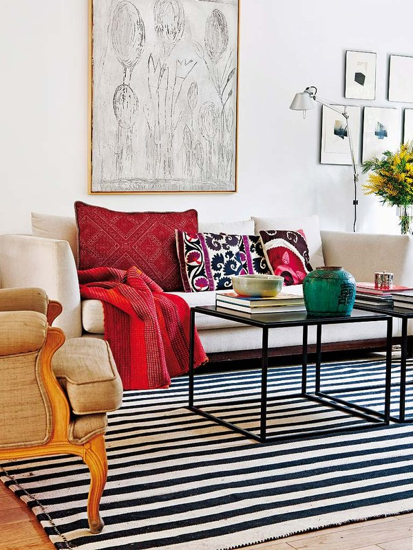 619 - Preciosa casa con un romántico patio ajardinado en pleno corazón de Madrid
