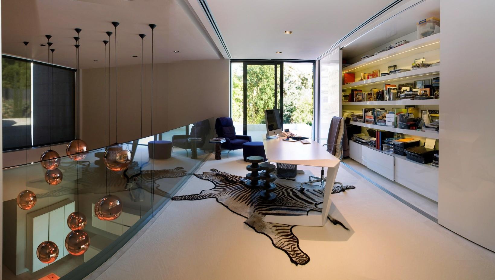 624 - Espectacular, imponente y lujosa casa de diseño en Puerto Banús (Marbella, Costa del Sol)