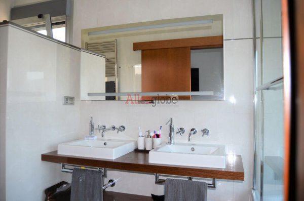 62940833 2583683 foto 249265 600x397 - Descubre este pequeño chalet de estructura moderna y diseño lujoso en Oviedo, Asturias