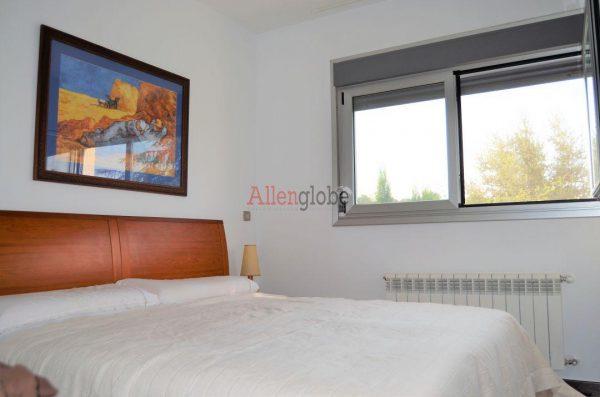 62940833 2583683 foto 661649 600x397 - Descubre este pequeño chalet de estructura moderna y diseño lujoso en Oviedo, Asturias