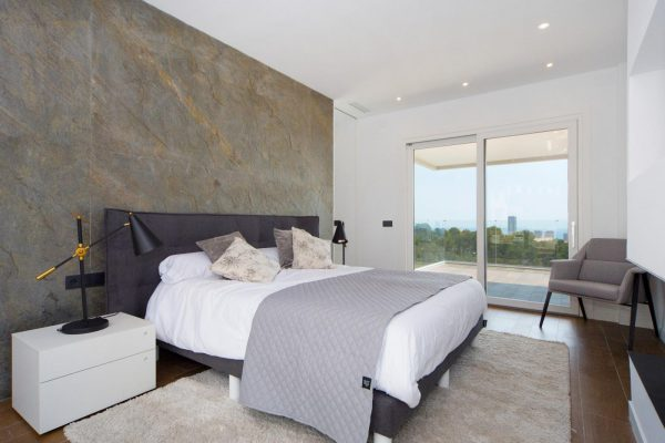 63621276 1985762 foto 351765 600x400 - Descubre esta pequeña villa de estructura moderna y diseño lujoso en Finestrat, Alicante
