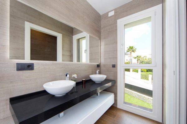 63621276 1985762 foto 362331 600x400 - Descubre esta pequeña villa de estructura moderna y diseño lujoso en Finestrat, Alicante