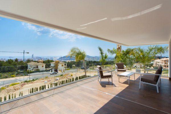 63621276 1985762 foto 503552 600x400 - Descubre esta pequeña villa de estructura moderna y diseño lujoso en Finestrat, Alicante