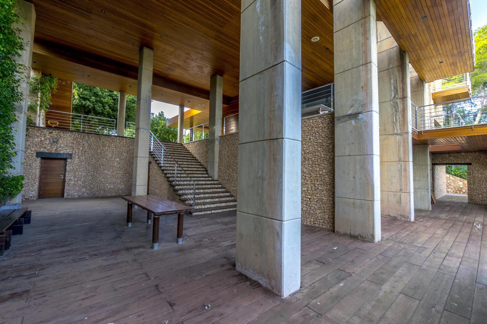 64977240 3223954 foto127967745 - Lujo, diseño y funcionalidad en esta villa en Campoamor (Alicante)