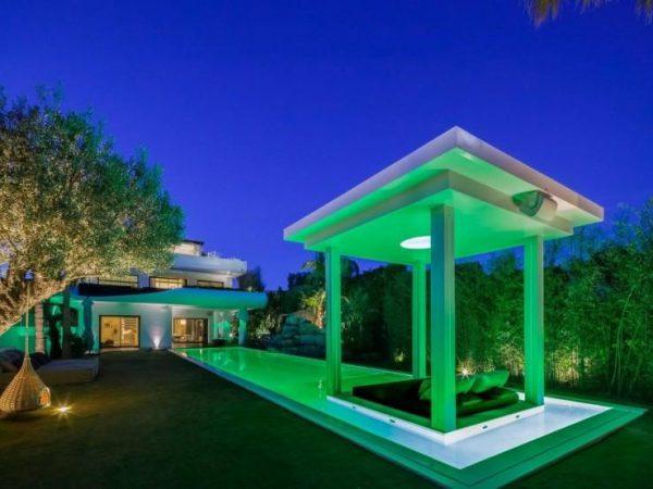 65057482 2015785 foto 441561 600x450 - Lujo y futurismo unidos en un impresionante chalet en Barcelona