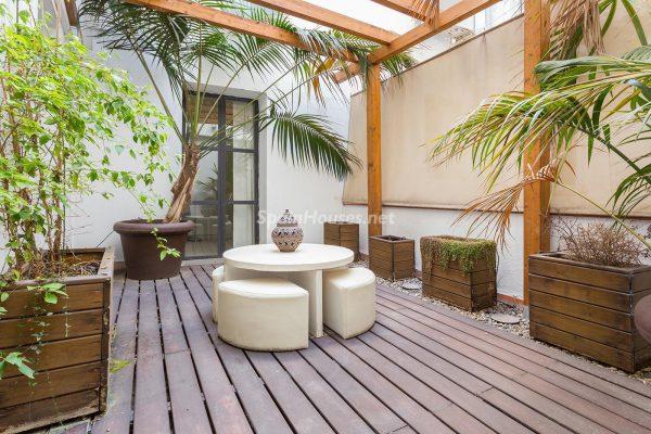 65057482 2048607 foto 010310 600x400 - Apartamento minimalista y moderno en pleno Barrio Gótico de Barcelona