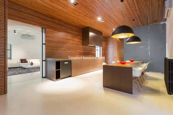 65057482 2048607 foto 559536 600x400 - Apartamento minimalista y moderno en pleno Barrio Gótico de Barcelona