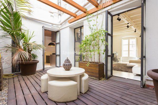 65057482 2048607 foto 599070 600x400 - Apartamento minimalista y moderno en pleno Barrio Gótico de Barcelona