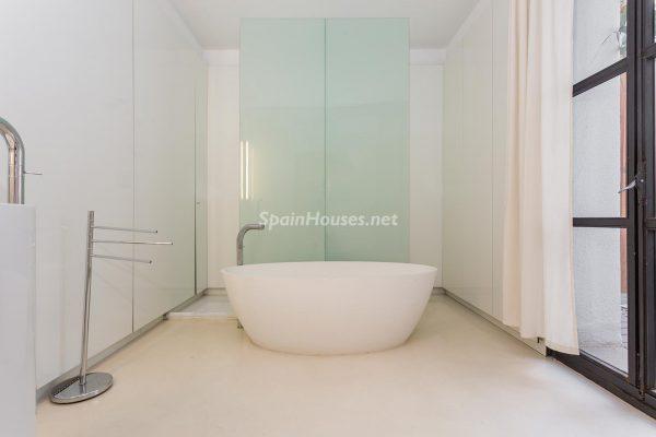 65057482 2048607 foto 666936 600x400 - Apartamento minimalista y moderno en pleno Barrio Gótico de Barcelona