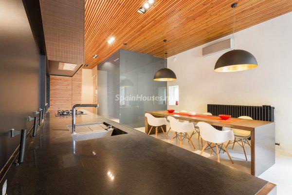 65057482 2048607 foto 755714 600x400 - Apartamento minimalista y moderno en pleno Barrio Gótico de Barcelona