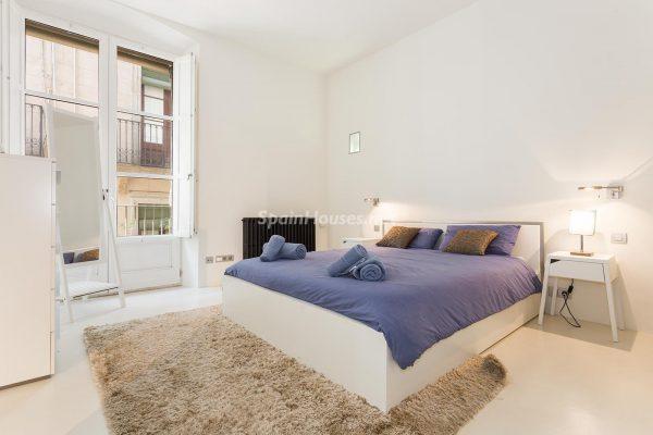 65057482 2048607 foto 813191 600x400 - Apartamento minimalista y moderno en pleno Barrio Gótico de Barcelona