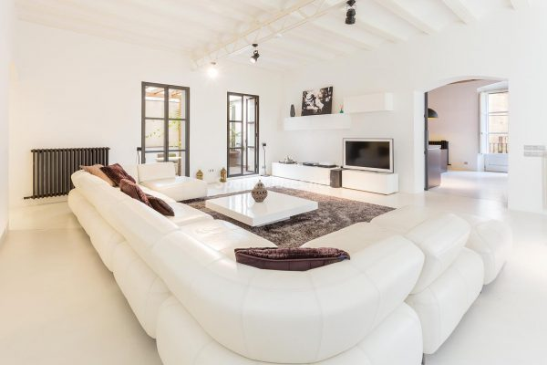 65057482 2048607 foto 997108 600x400 - Apartamento minimalista y moderno en pleno Barrio Gótico de Barcelona