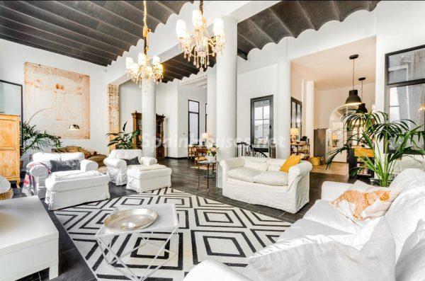 65057482 2048640 foto 317324 600x397 - Descubre cómo ha cambiado la decoración del hogar en los últimos años