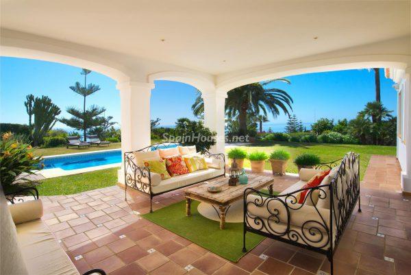 656 2118960 foto 110845 600x401 - Villas perfectas para disfrutar de todas las ventajas que ofrece un porche