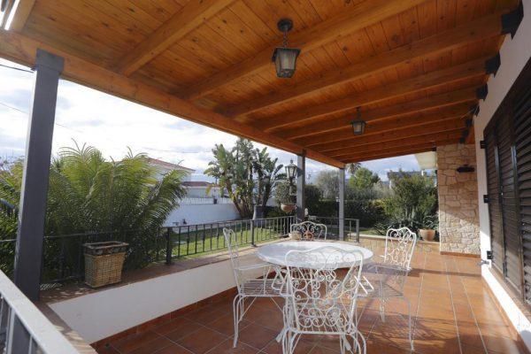 65714154 2283548 foto 017401 600x400 - Acogedora casa con piscina y jardín en Alcanar (Tarragona)