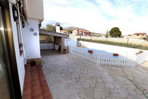 65714154 2283548 foto 161017 600x400 - Acogedora casa con piscina y jardín en Alcanar (Tarragona)