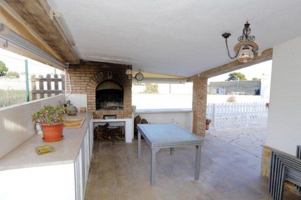 65714154 2283548 foto 384589 600x400 - Acogedora casa con piscina y jardín en Alcanar (Tarragona)