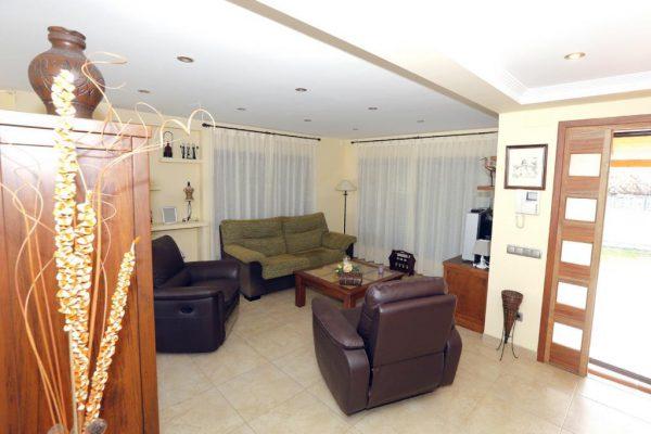 65714154 2283548 foto 917508 600x400 - Acogedora casa con piscina y jardín en Alcanar (Tarragona)