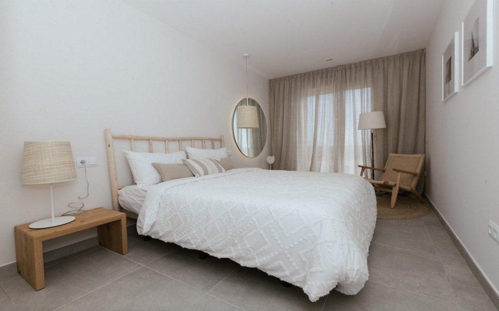 66754663 2662229 foto 129555 1024x640 - Apartamento en primerísima línea de playa a precio de ocasión en La Manga del Mar Menor (Murcia)