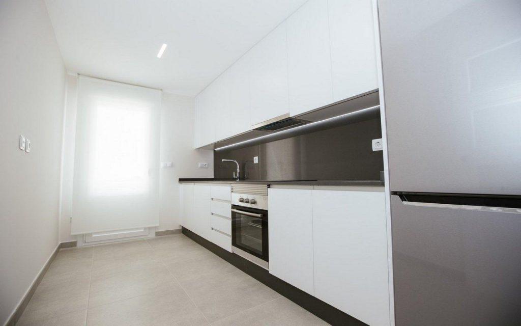 66754663 2662229 foto 136469 1024x640 - Apartamento en primerísima línea de playa a precio de ocasión en La Manga del Mar Menor (Murcia)