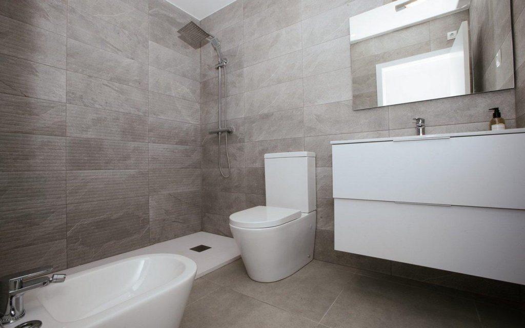 66754663 2662229 foto 247914 1024x640 - Apartamento en primerísima línea de playa a precio de ocasión en La Manga del Mar Menor (Murcia)