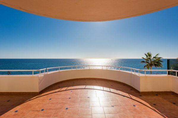66884997 2289487 foto 023904 600x400 - ¡Llegó el buen tiempo! y con él, las casas más espectaculares a pie de playa