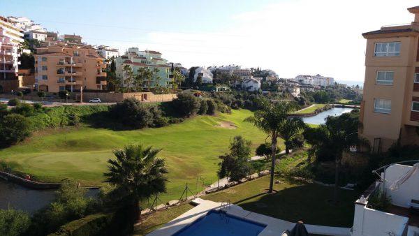67607037 2072621 foto62700851 600x338 - ¡Hora de preparar tus vacaciones! Los mejores pisos para alquilar en la costa de Málaga