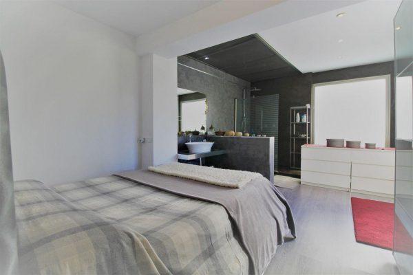 67714003 2455016 foto 109417 600x400 - Elegante y luminosa casa en Benalmádena (Málaga)