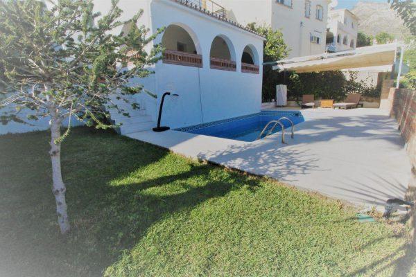 67714003 2455016 foto 714211 600x400 - Elegante y luminosa casa en Benalmádena (Málaga)