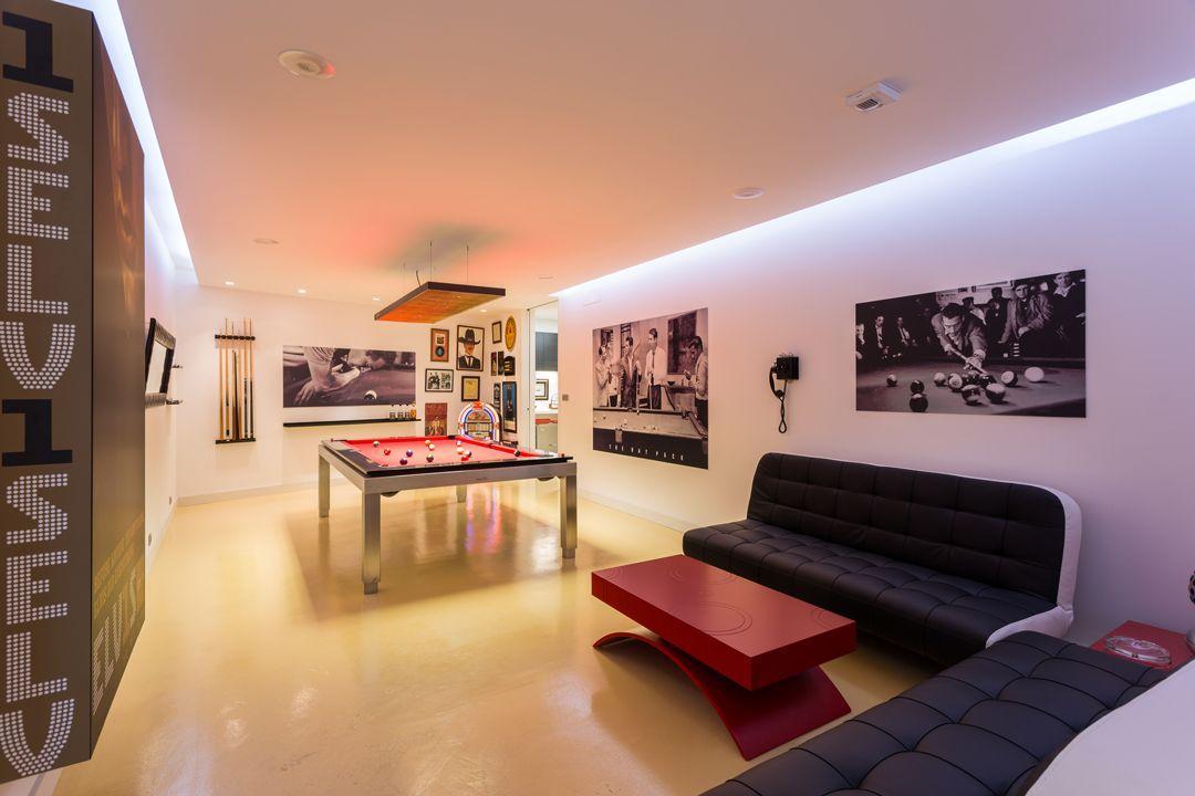 68044167 2216350 foto 503406 - Arquitectura, entorno privilegiado y una biblioteca de ensueño en esta villa en Oleiros (La Coruña)