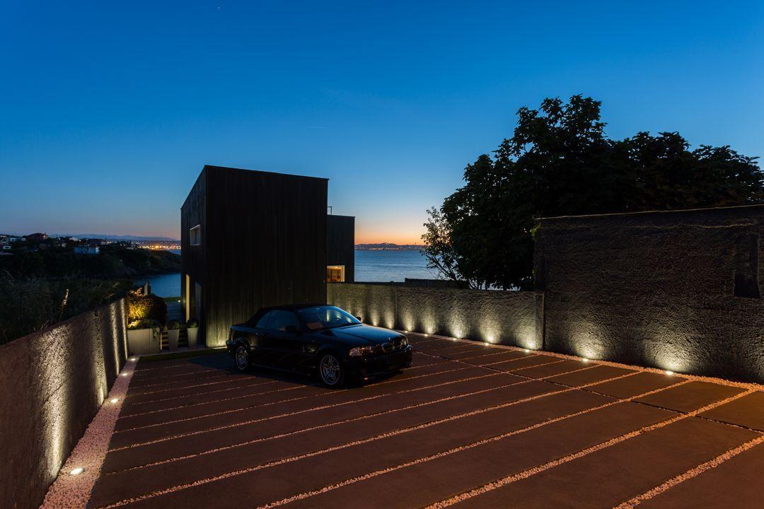 68044167 2216350 foto 783641 - Arquitectura, entorno privilegiado y una biblioteca de ensueño en esta villa en Oleiros (La Coruña)