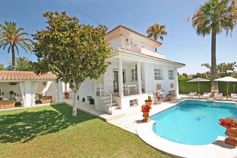 68785736 2447180 foto 623710 - Casas veraniegas con piscina en la Costa del Sol