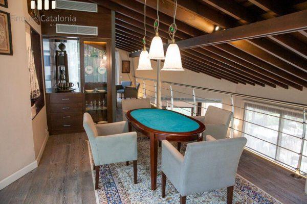 69139159 2216106 foto 238778 600x400 - Costa, color y diseño protagonizan esta increíble casa en Sant Antoni de Calonge, Girona