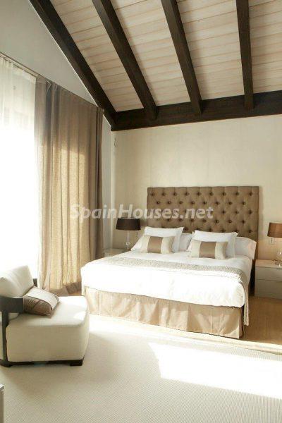69140074 2209537 foto 079871 400x600 - El estilo decorativo definitivo lo tiene esta lujosa villa en Marbella