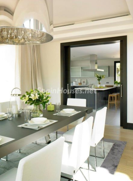 69140074 2209537 foto 107790 442x600 - El estilo decorativo definitivo lo tiene esta lujosa villa en Marbella