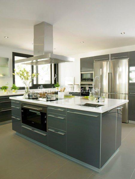 69140074 2209537 foto 370074 451x600 - El estilo decorativo definitivo lo tiene esta lujosa villa en Marbella