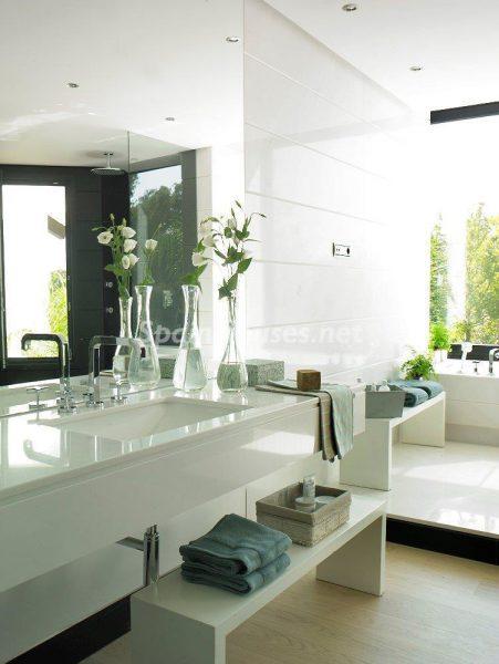 69140074 2209537 foto 850253 451x600 - El estilo decorativo definitivo lo tiene esta lujosa villa en Marbella