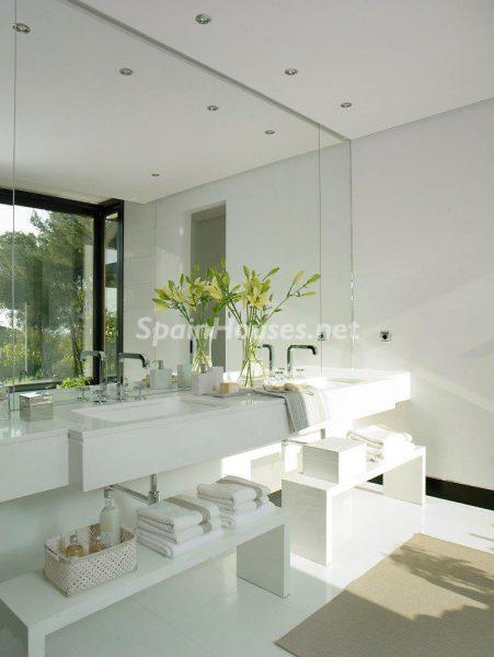 69140074 2209537 foto 901041 451x600 - El estilo decorativo definitivo lo tiene esta lujosa villa en Marbella